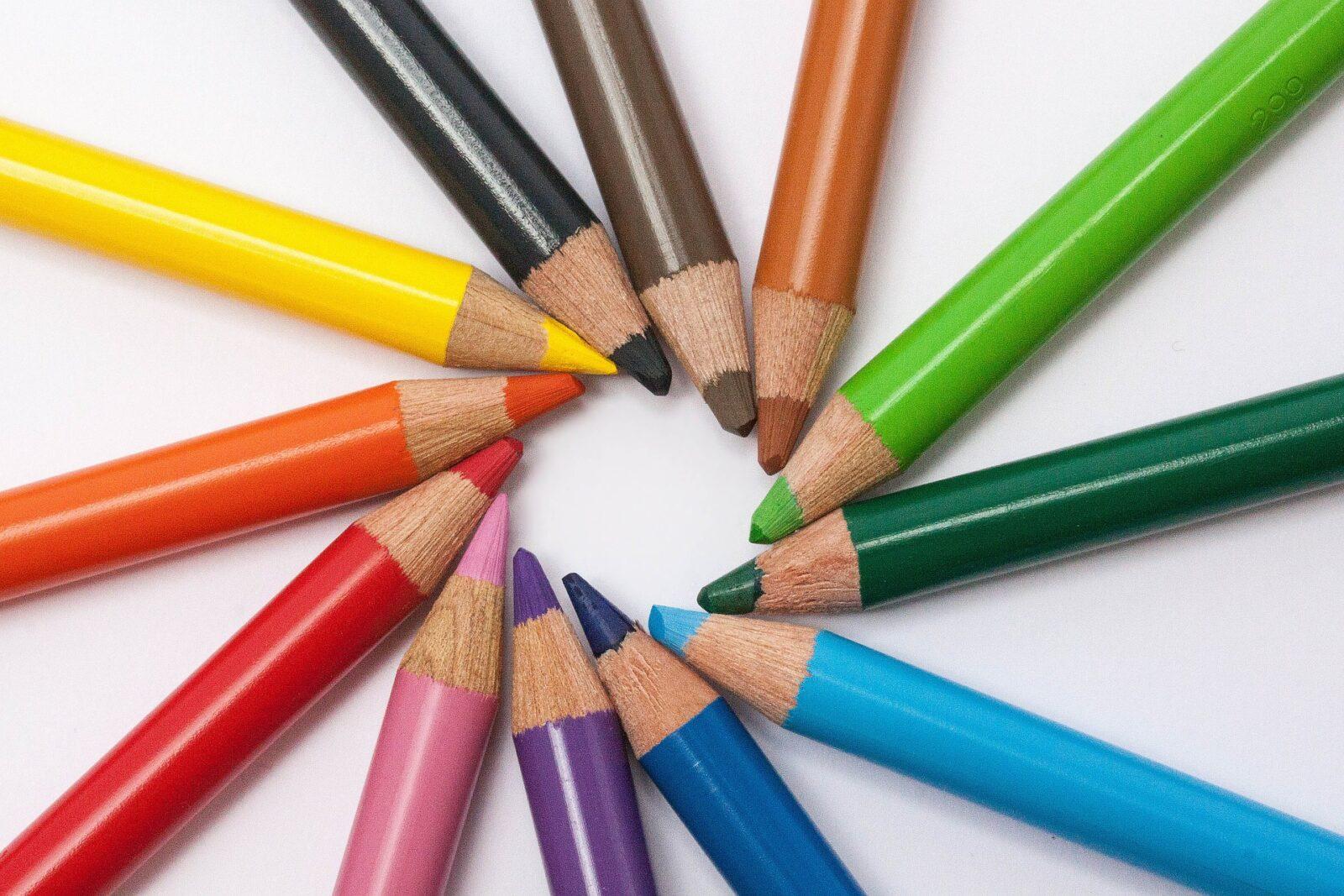 colored pencils 374771 1920 Drawing Arcs and Circles