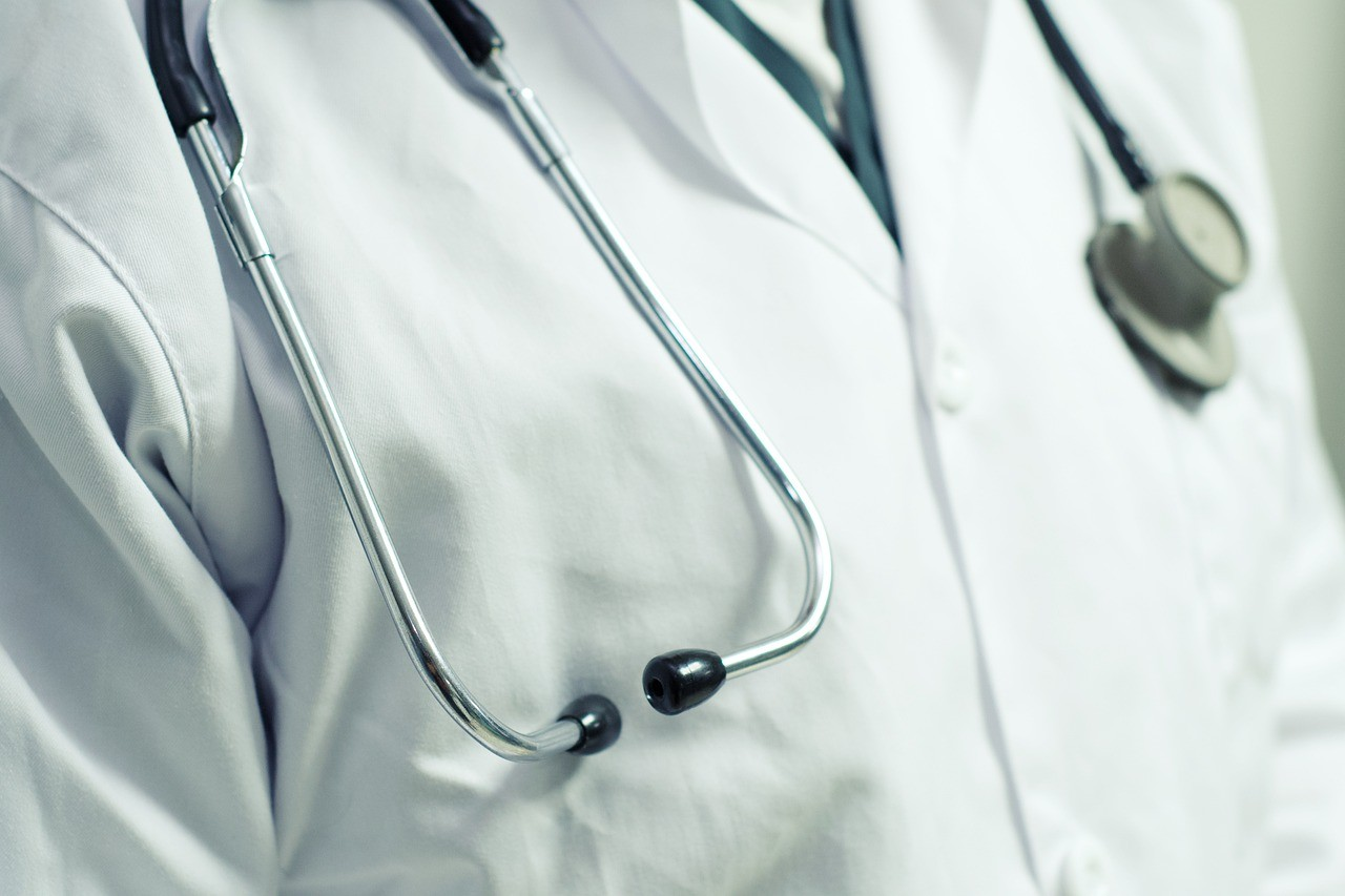 stethoscope 6497490 1280 Health Workers Scoff At Government Trivial Offer